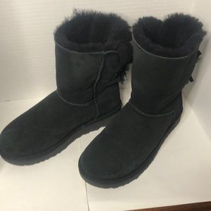 NWOT Classic Ugg Boots with Tie Backs